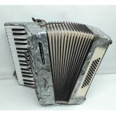 Accordion Weltmeister 48 basses